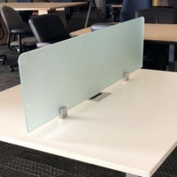 Sekat pembatas meja kerja / acrylic screen devider