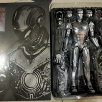 HOT TOYS IRON MAN / IRONMAN 2 MARK MK 2 II HOTTOYS ARMOR UNLEASHED