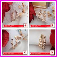 AT 037 Anting Jalar Selip Wanita Perhiasan Imitasi Lapis Emas Terbaru