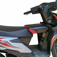 Boncengan Untuk Anak - Anak Motor Honda Beat / Kursi Boncengan Anak - HITAM MERAH