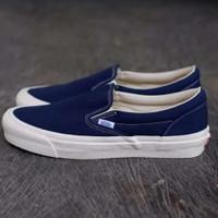 sepatu slip on wanita warna biru navi vans slip on biru navi ukuran 36