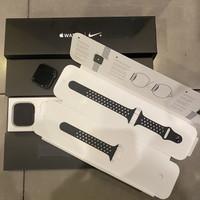 Apple Watch Series 4 44MM Nike Sport Mulus Pemakaian Langka