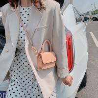 Tas Selempang Wanita Remaja IMPORT Kekinian / Sling Bag Wanita T28 - Light Pink Baru