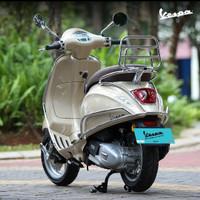 Aksesoris Vespa matic Primavera Sprint Crashbar & backrack chrome