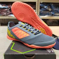 Sepatu Futsal Umbro Vision Plus League