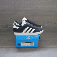 Sepatu Adidas Gazelle Black White Women