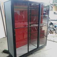 lemari pakaian 3 pintu alumunium