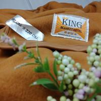Selimut Hotel Tebal Tiga Lapis KING 180x220