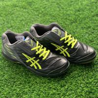 sepatu bulutangkis badminton Professional Original Barracuda black neo