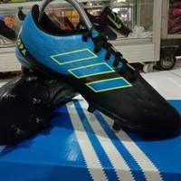 sepatu bola adidas size 38
