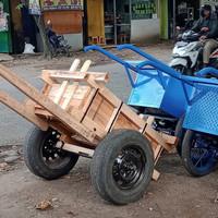 gerobak kayu dorong 100*50*50 ban mobil