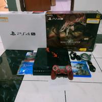 PS4 Pro Monster Hunter World Rathalos Edition reg3
