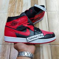 Sepatu Air Jordan 1 Mid Bred Banned