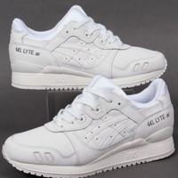 Sepatu asics gel lyte iii MT triple white