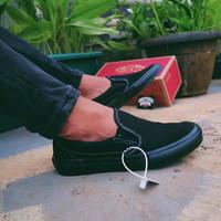 SEPATU VANS SLIP ON PRO BLACK BLACK