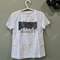 Mango t-shirt sex and the city size L preloved