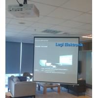 Screen Projector Motorized 70 Layar Proyektor Remot Otomatis 70 in