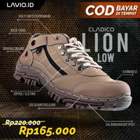 Sepatu Boots Pendek Pria Original Cladico Lion Low - Cream, 39