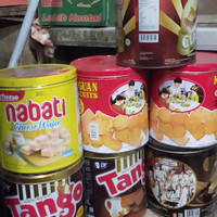 Kaleng biskuit biscuit can kaleng wafer wafer can kosong empty can