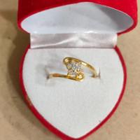cincin silang bunga mata putih 1 gram emas muda