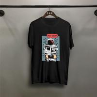 TP Kaos Distro Pria Astronout Koran Atasan Pria T-shirt Pria