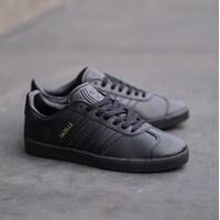 SEPATU ADIDAS GAZELLE ALLBLACK - SEPATU PRIA/WANITA - Sneakers - 39