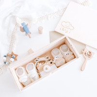Littlesosete - Wenver Wooden Box (2 Socks + 1 Kamera) - Hampers Bayi