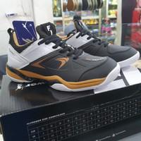 sepatu badminton flypower Rio Gold C1 Black White Gold original !!