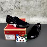Sepatu Vans Slip On Pro Skateboarding All Black Hitam Polos