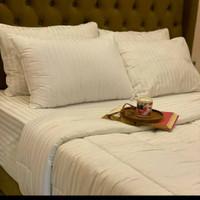 BEDCOVER SET HOTEL MOTIF SALUR PASTA PUTIH SIZE 90x200 -200x200