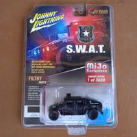 johnny lightning humvee hummer hitam polisi police swat off road