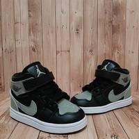 Sepatu anak sekolah ORIGINAL NIKE / HITAM / FREE BOX & KAUS KAKI /