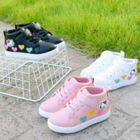 Sepatu Boots Anak Perempuan Motif Hello Kitty Love