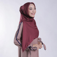 Hot produk Zoya Kerudung Segi Empat Polos - Nov Scarf Warna Maroon Tbk