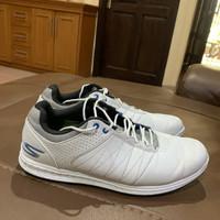 sepatu golf skechers pivot original white