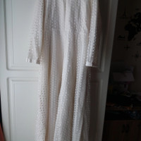 baju gaun akad pernikahan muslimah brokat payet preloved wedding dress