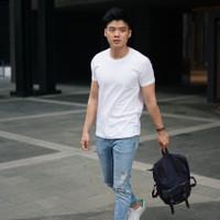 ORIGINAL Fashion Pria Kaos Oblong Polos Hitam Putih Slim Fit Size Baju