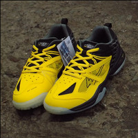 Sepatu Badminton Eagle Sspro1 Edisi Simon Santoso Yellow Black