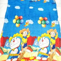 Selimut Bulu Doraemon Balon