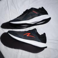 Sepatu Running Specs Dawnbreaker - Dark Grey/Black/Flame