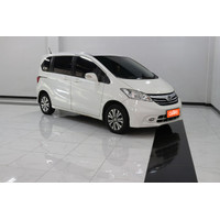 Honda Freed SD AT 2015 Putih