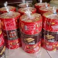paket biskuit kaleng 3 item