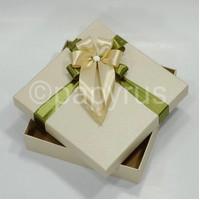 Papyrus Kotak Kado Gift Box 20x20cm Tinggi 5cm