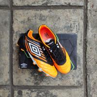 Sepatu Bola Umbro Medusae Pro HG/FG Orange/Black - 44