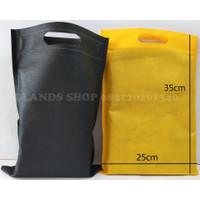 Tas Kain Spunbond Oval 25 x 35 Murah Furing Bag Goodie Bag Oval 25x35