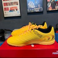Sepatu futsal ORIGINAL PUMA ONE 20.4 IT Yellow Black Orange Size 44