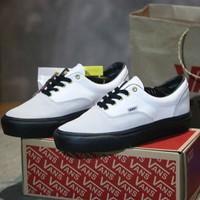 Sepatu Sneaker Pria Vans Authentic Vault Skate Era Import Quality - Putih Hitam, 38