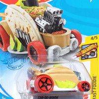 HOTWHEELS CAR DE ASADA 2021 CREAM - SANDWICH FOOD CAR