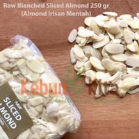 Almond Slice 250gr ( Kacang Almond Mentah-Irisan)