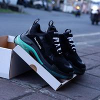 Sepatu Sneakers Balenciaga Triple S Clear Sole Black Green
